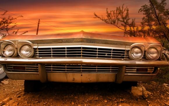 cutcaster-800878666-Old-classic-car-small.